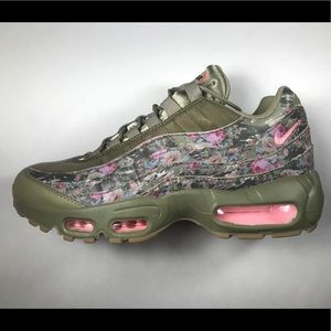 NIKE AIR MAX 95 Floral Camo Women's Shoes Size 7.5